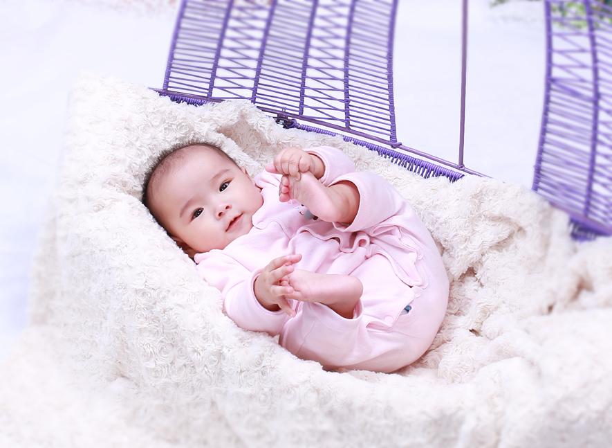 Mách mẹ 6 vật dụng không thể thiếu khi nuôi con vào mùa Đông