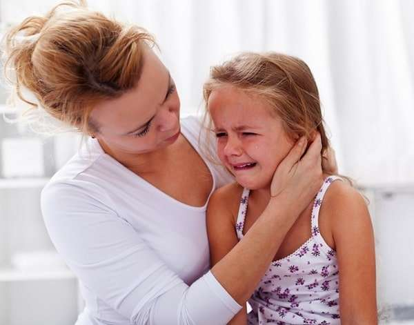 """Nhiều cha mẹ vô tình """"hại con"""" vì những thói quen này"""