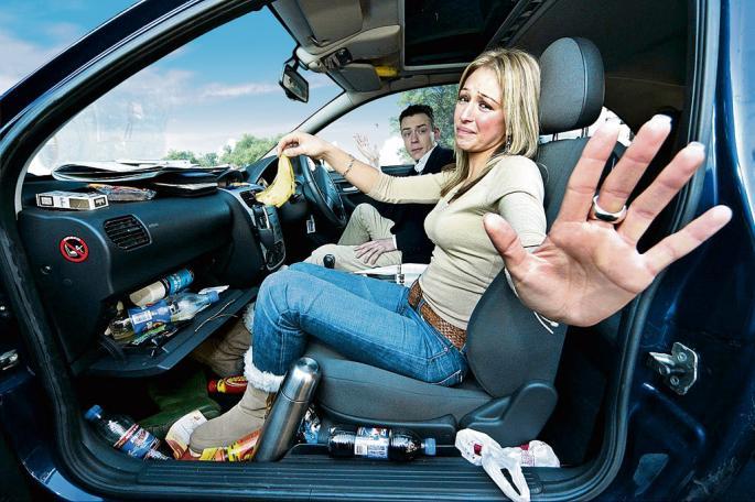 Mẹo nhỏ giúp đánh bay mùi hôi trên ô tô hiệu quả