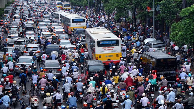 Chỉ 30 phút trên đường Hà Nội có thể hít phải 5 loại khí cực độc